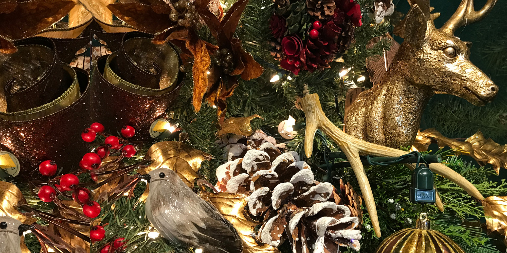 Pine cones and reindeer ornaments