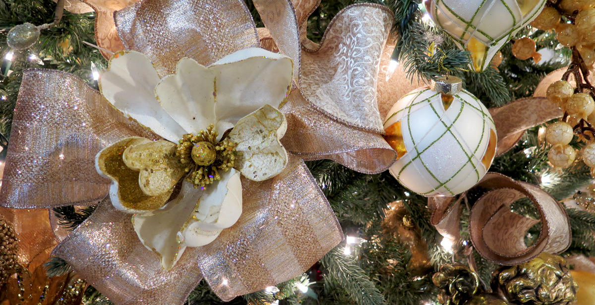 peach ribbons and flower decorations - Christmas Tree Flower Decorations