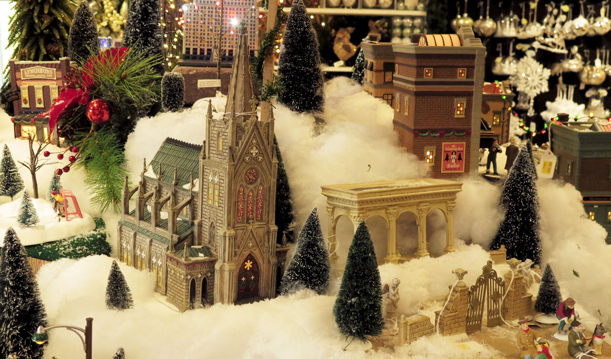 Department 56 Christmas Villages