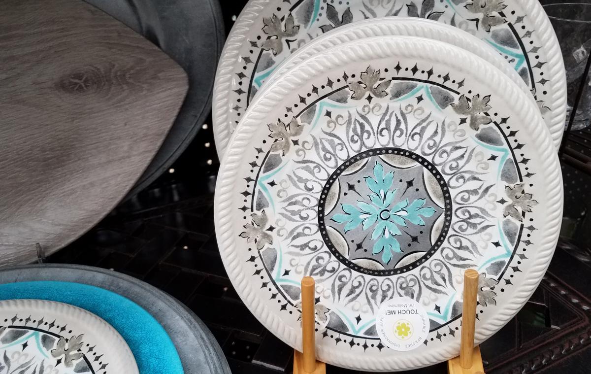 Unique decorative dinnerware