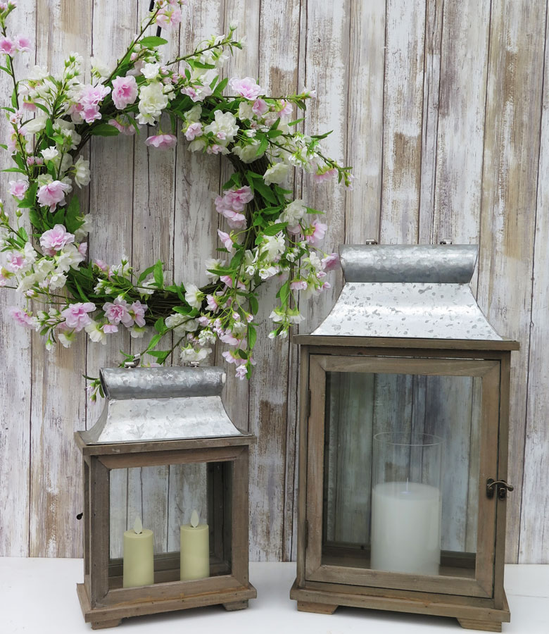 Rustic Lanterns and Gorgeous Wreath