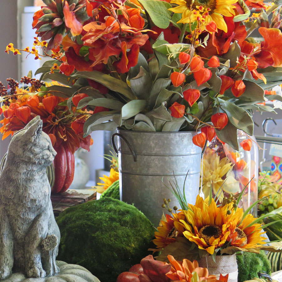 Fall Flowers and Decor