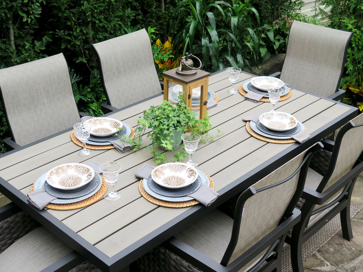 Bayside Dining with Contemporary Tabletop Setting