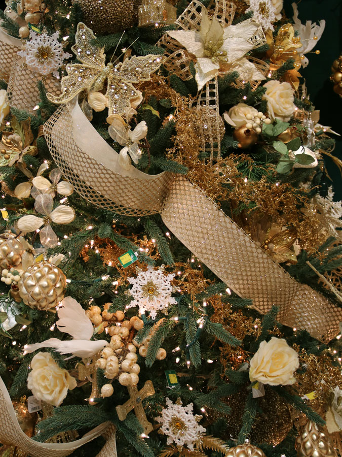 Golden Tree Decorations and Christmas Ornaments