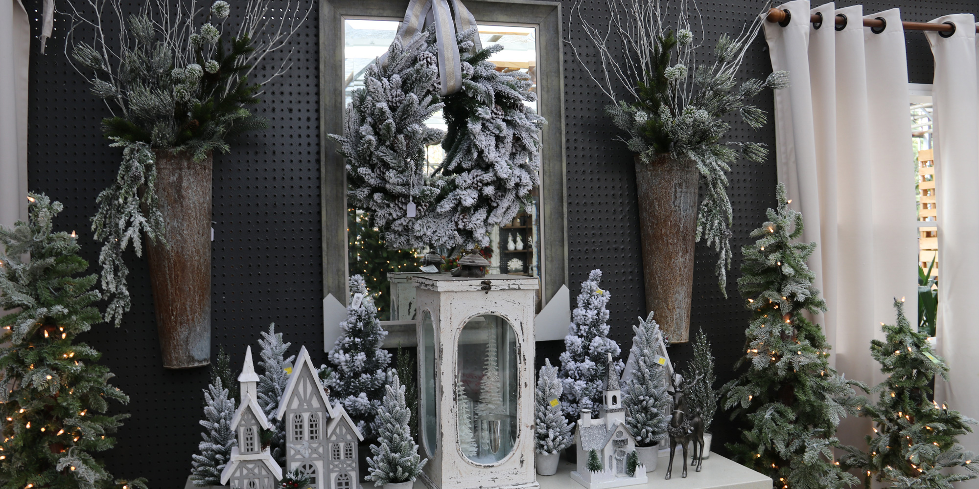 Winter-themed Christmas Decor