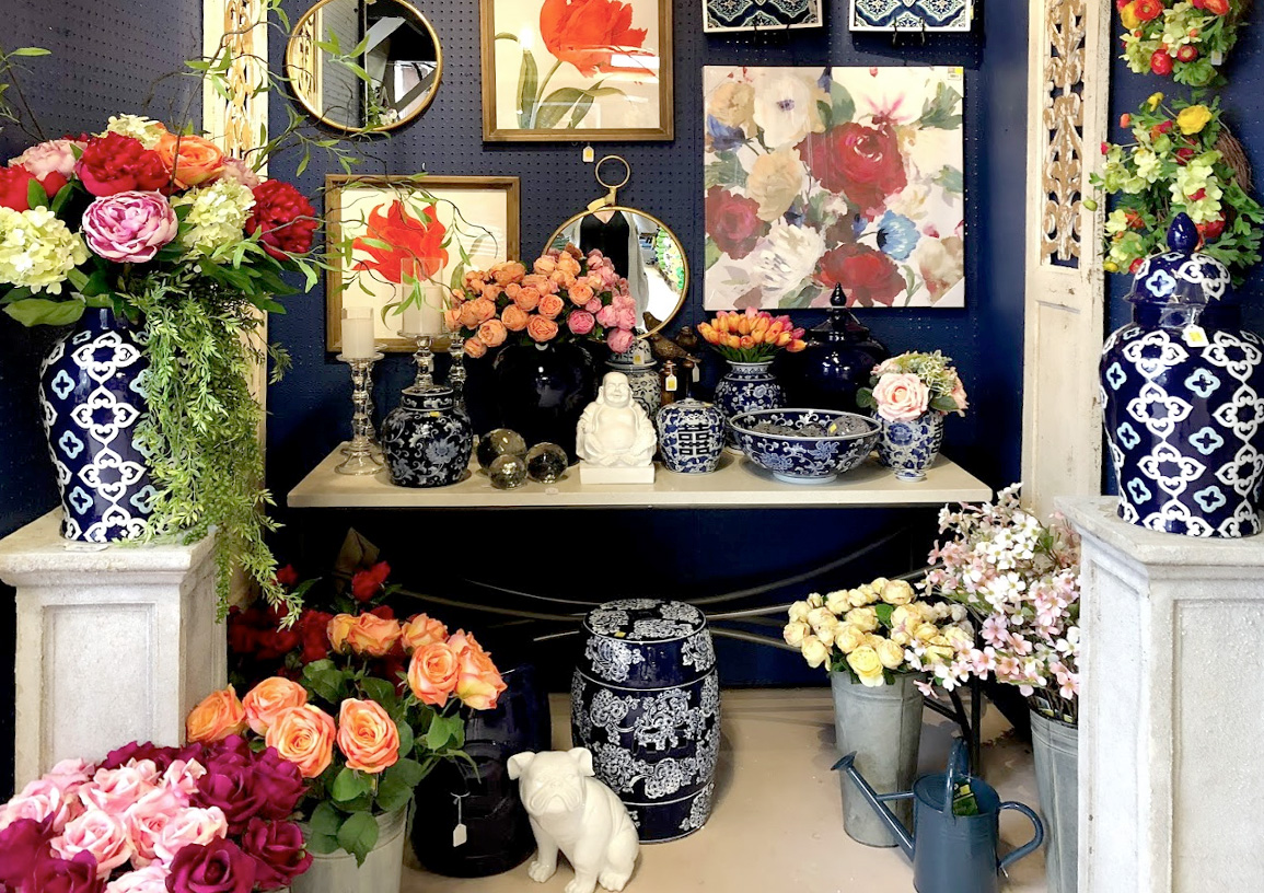 Flowers, Vases, and Floral Paintings