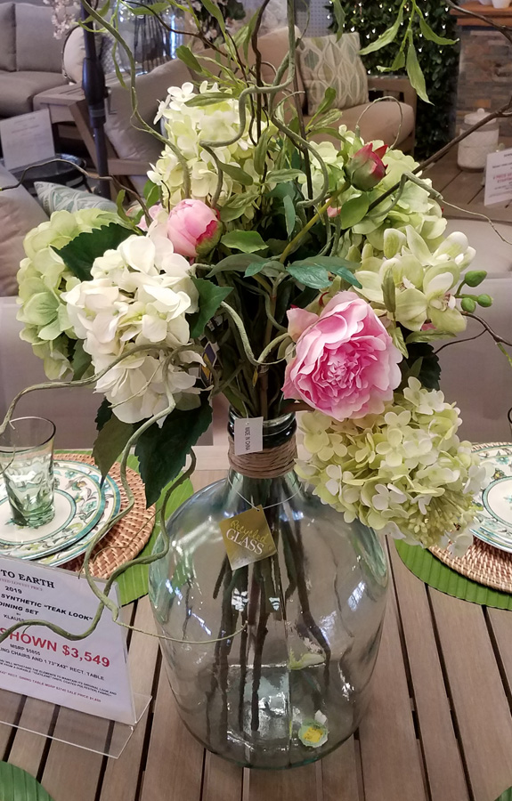 Gorgeous flowers for the perfect centerpiece