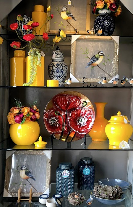 Stunning and Cheeful Yellow Decorative Items
