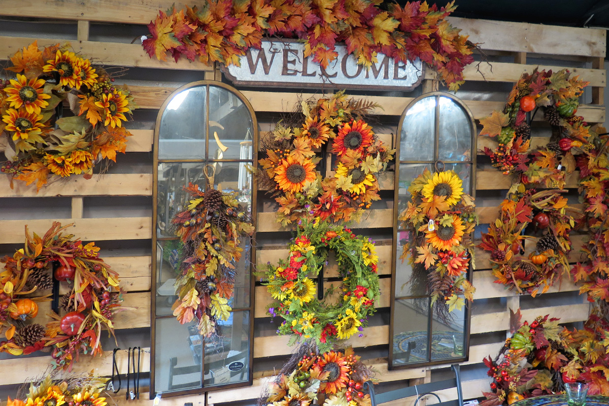 Welcome home with gorgeous fall florals