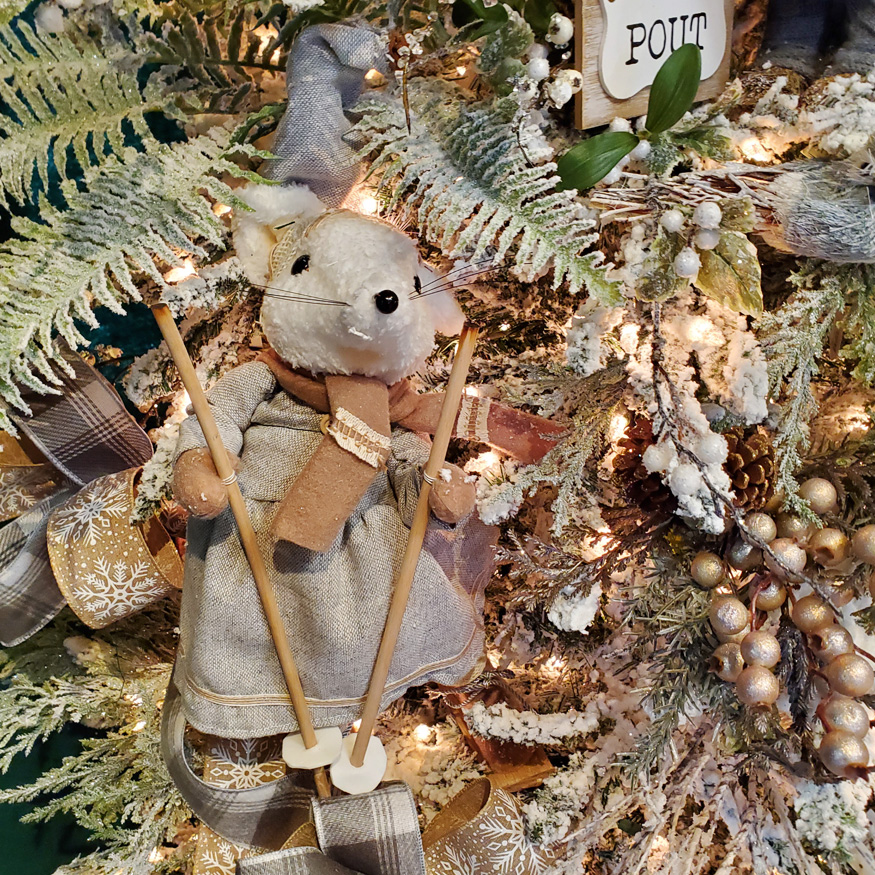 Cute Mouse on Skis Ornament