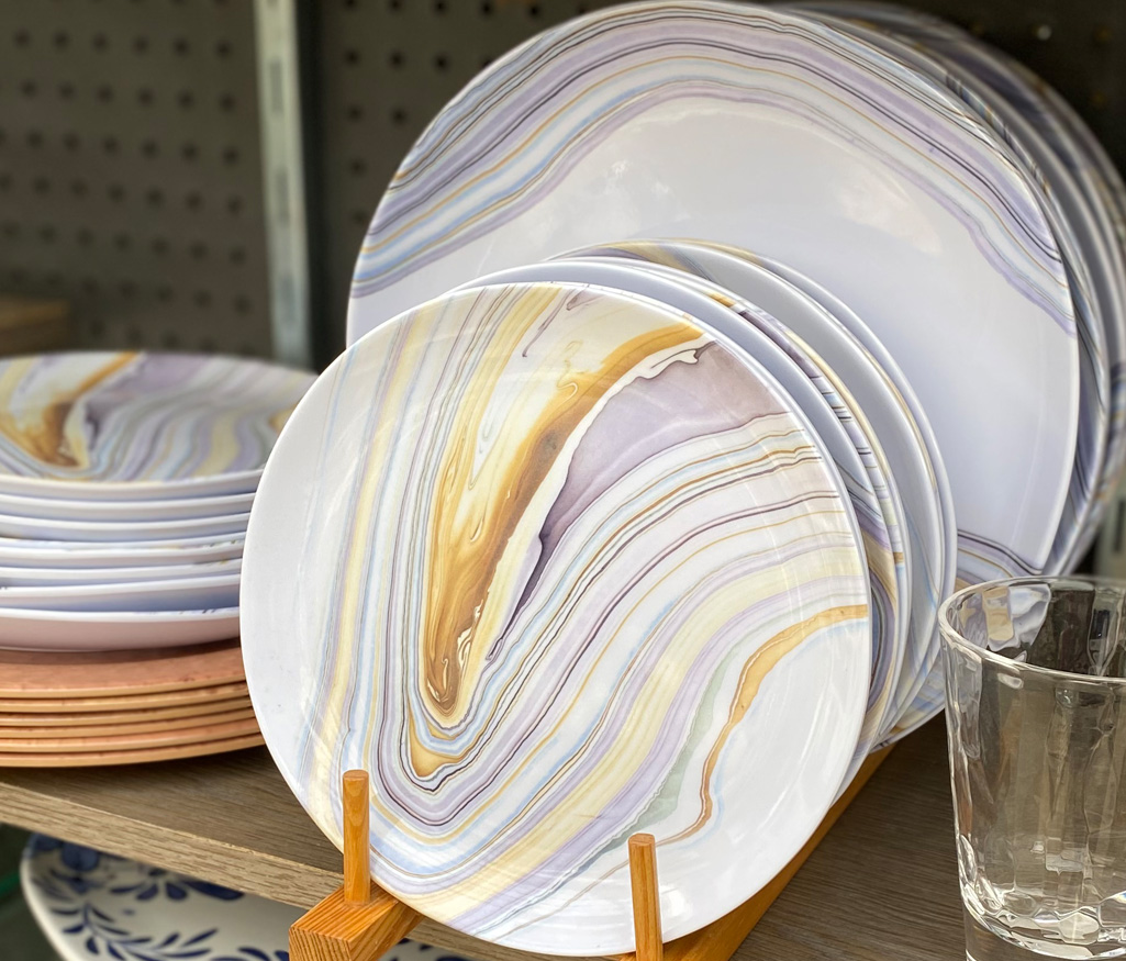 Swirl Patterned Dinnerware
