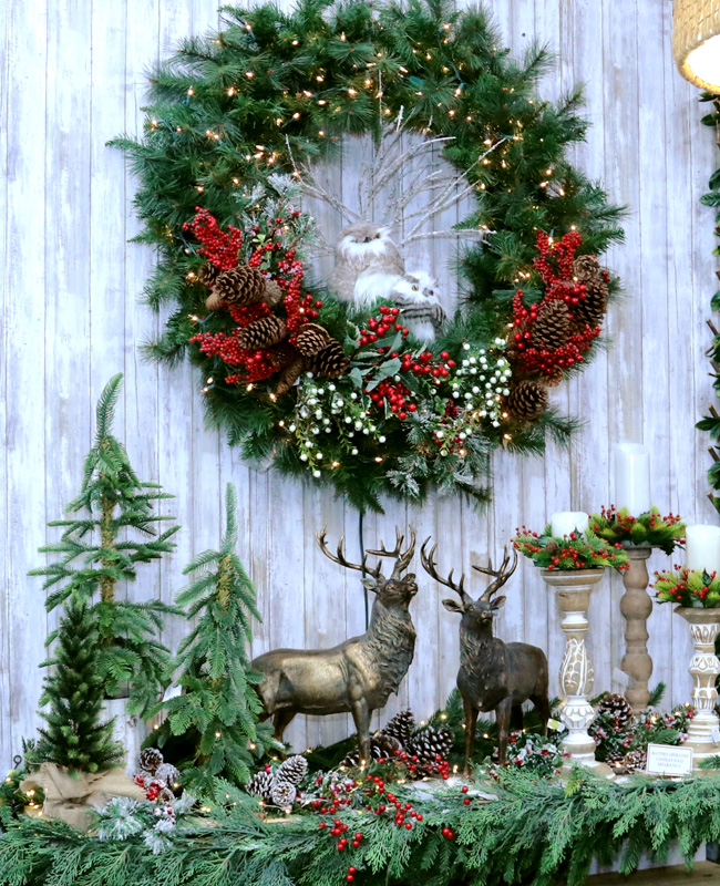 Gorgeous Wreath and Mantle Display