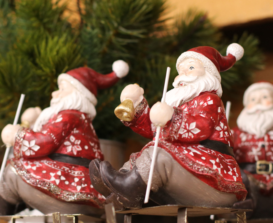 Sleighing Santa Figurines