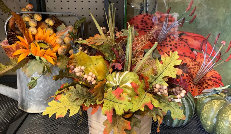 Halloween Floral Decor